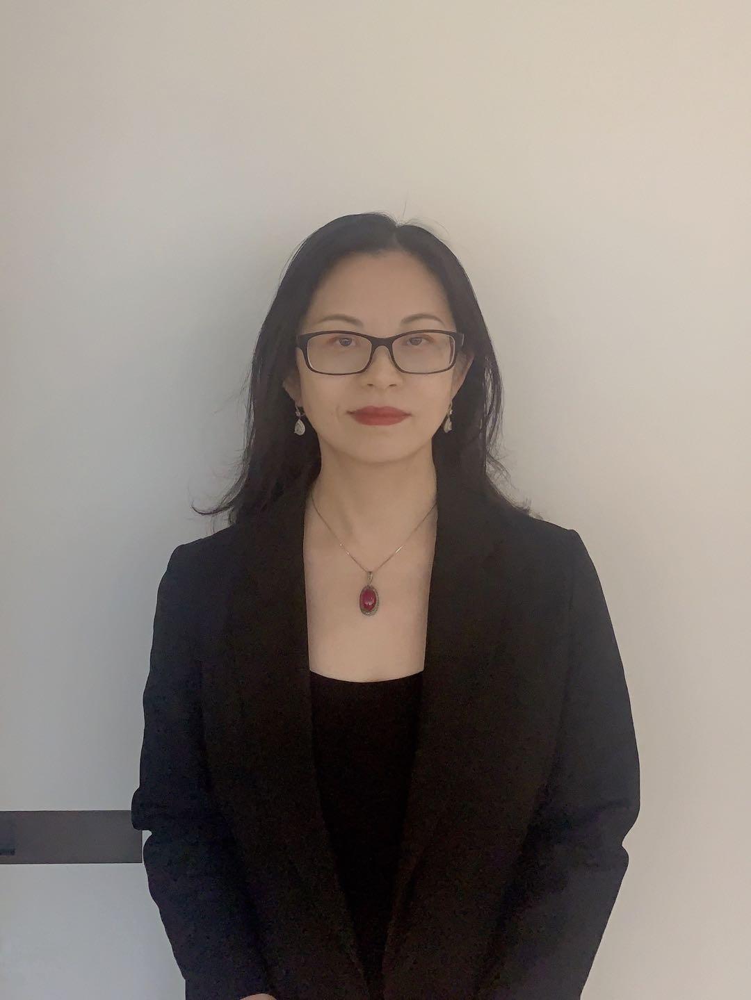 https://lisaslaw.co.uk/wp-content/uploads/2020/07/rosahuang.jpg